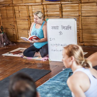 teacher training yoga montanita